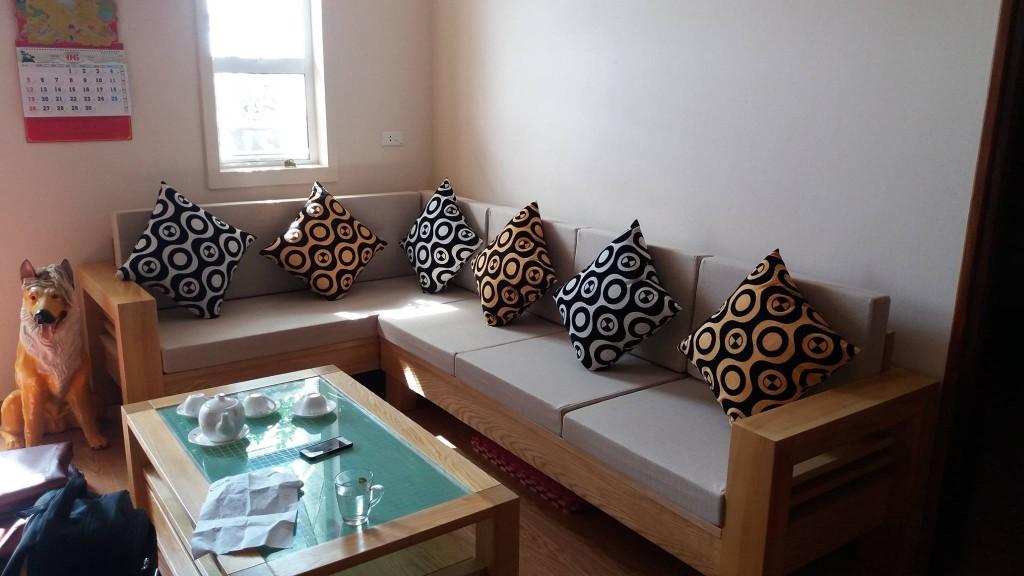 Bộ đệm rất vừa với bộ ghế sofa gỗ của gia đình