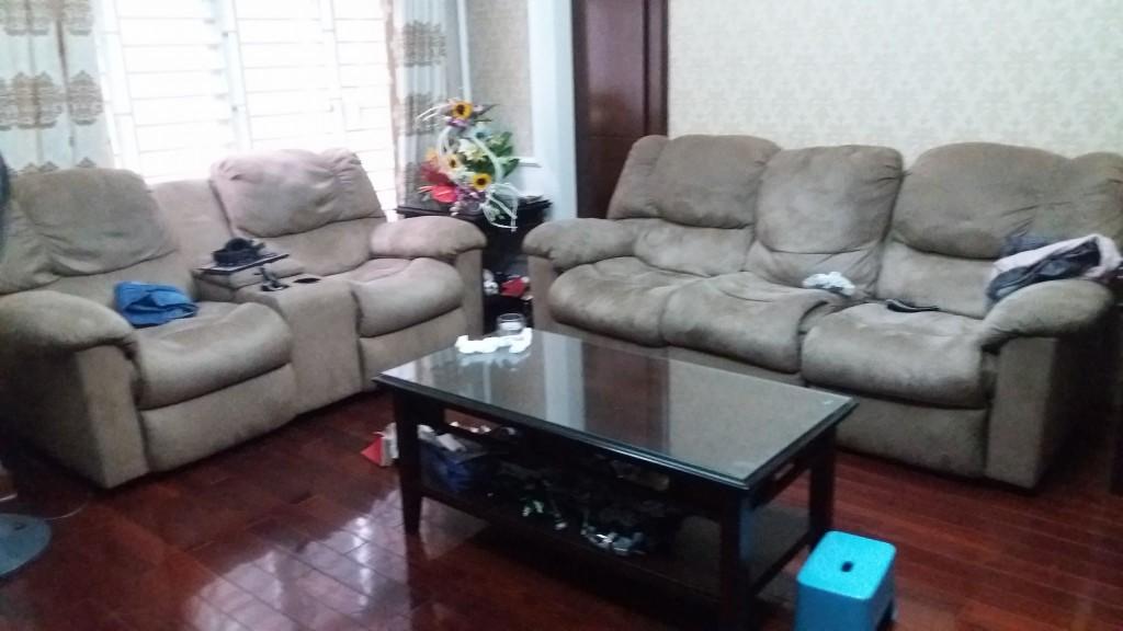 Bộ ghế massage đã cũ nhà chị Linh ở Kim Mã