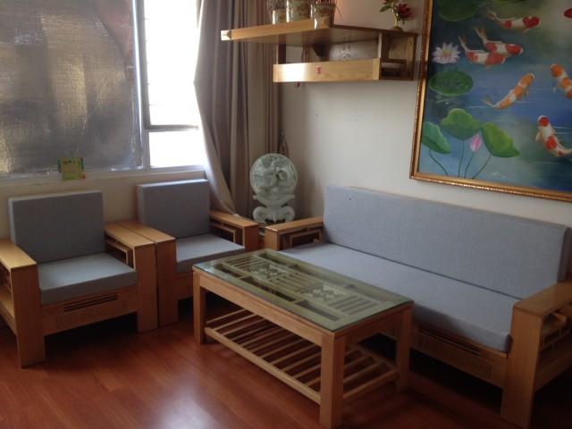 Làm đệm ghế gỗ cho anh Trung tại khu đô thị Xuân Phương