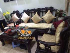 Bộ đệm ghế bằng gấm đã hoàn thành cho ia đình tại Long Biên