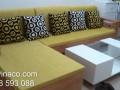 Bộ ghế sofa gỗ L có đệm ghế trông đẹp và có điểm nhấn chủ đạo bằng gối