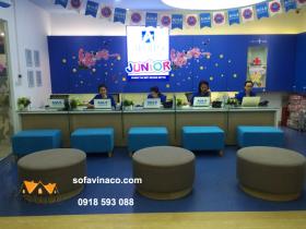 Những chiếc ghế đã trở lại như mới nhờ dịch vụ bọc ghế sofa của Vinaco