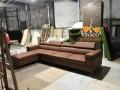 Chất liệu da bọc ngoài, đệm mút bên trong, khung gỗ bên trong, kiểu chân ghế đều do khách hàng tự chọn