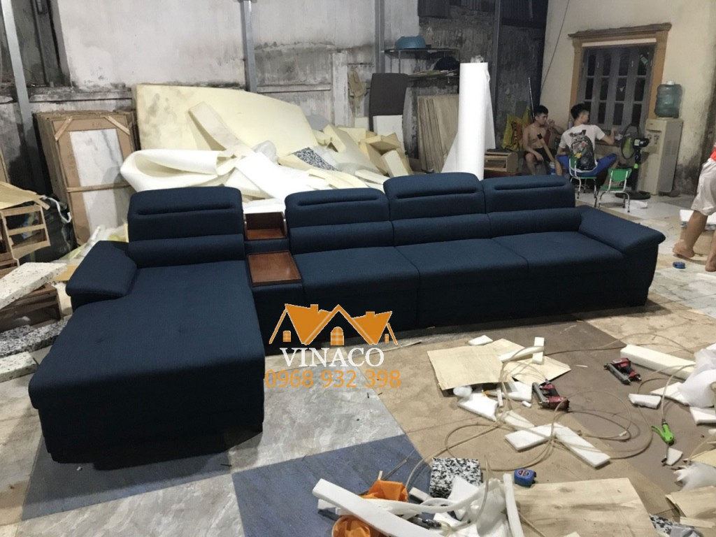 Ghế  thuộc kiều ghế sofa góc L màu lam đậm