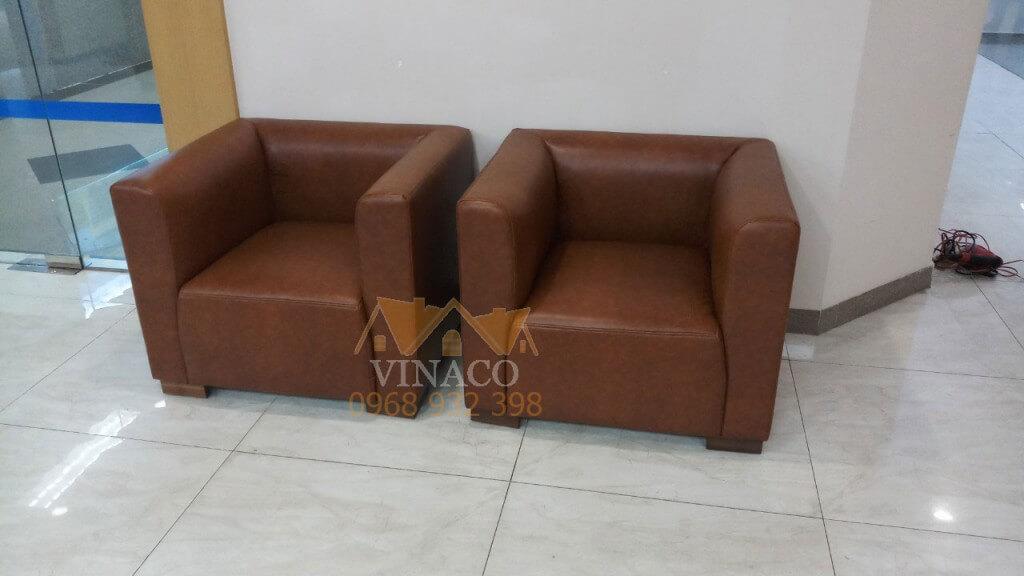 Hai chiếc ghế sau khi được bọc lại - bọc ghế sofa Vinaco