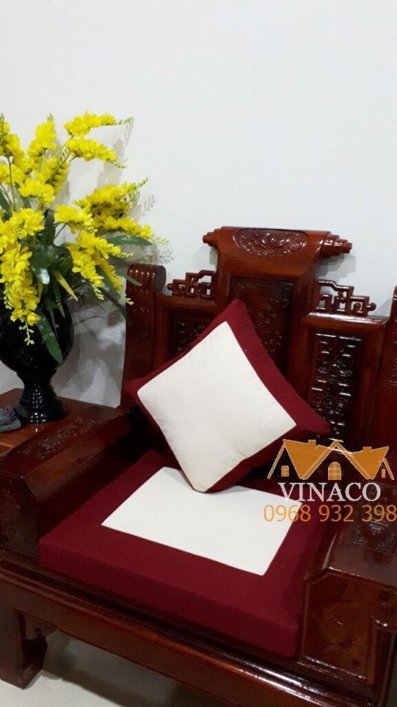 Kết hợp hoàn hảo với bộ ghế gỗ giả cổ