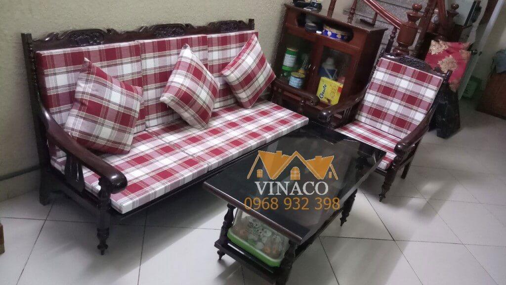 Bộ đệm ghế kẻ caro đã hoàn thành cho nhà bác Hồng ở Tam Trinh