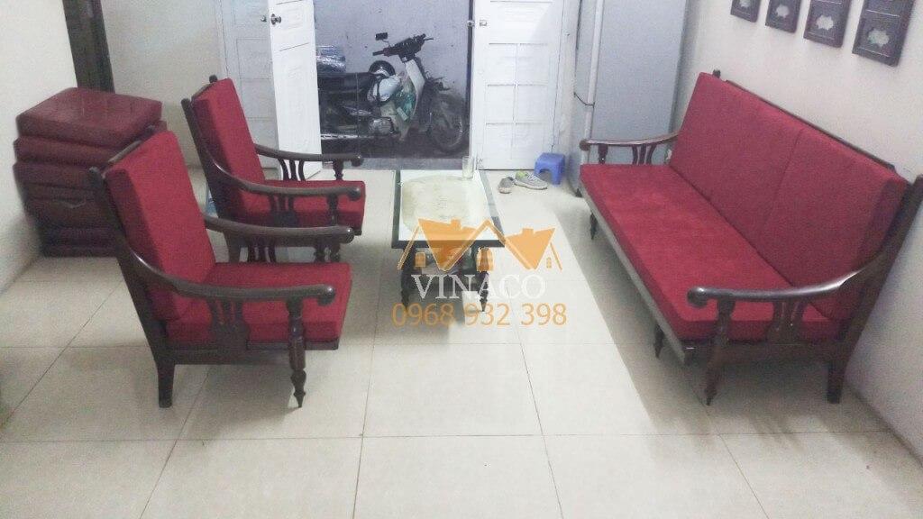 Bộ đệm ghế màu đỏ đô đã làm xong cho bác Phong ở Mễ Trì