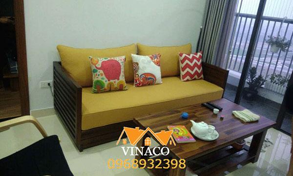 Đệm ghế gỗ làm bằng mút tổng hợp đơn giản nhưng lịch sự