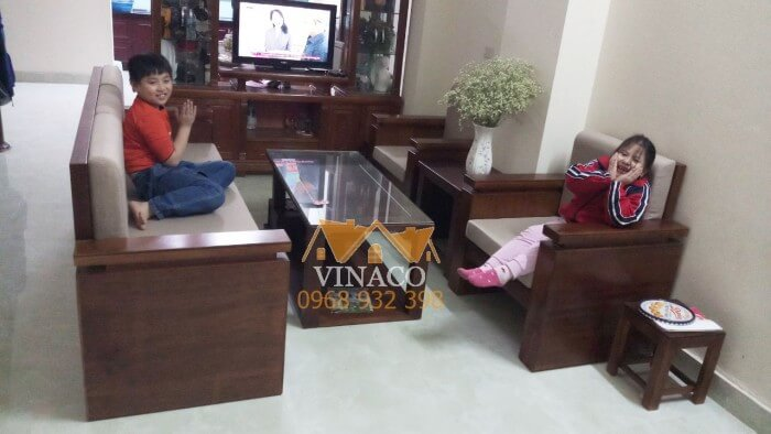 Bộ đệm ghế tại Hà Trung có màu nâu nhạt