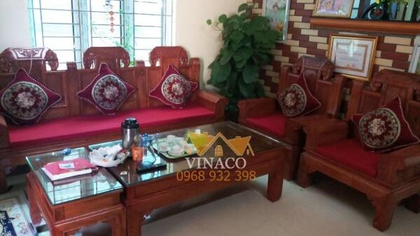 Làm đệm ghế gỗ trang trí phòng khách đón năm mới Kỷ Hợi