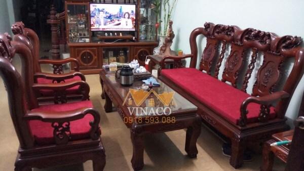 Bộ đệm ghế giả cổ này được làm từ chất liệu nỉ nhung rất ấm áp