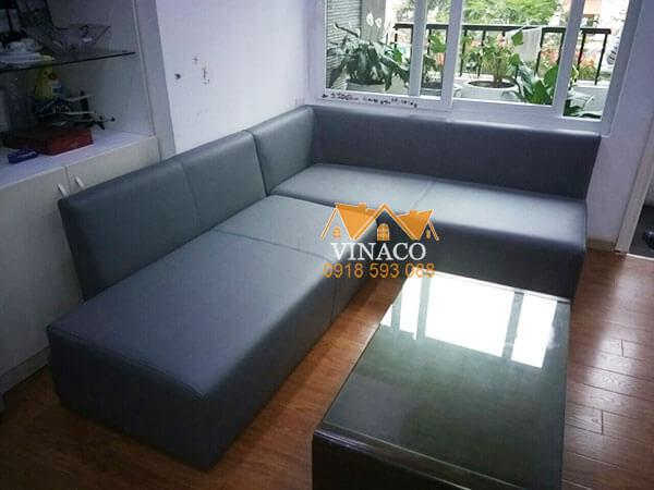 Bộ ghế sofa sau khi đã được bọc lại bằng một loại da mới