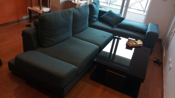 Bộ ghế sofa giường của gia đình chị Phương trước khi bọc vỏ mới