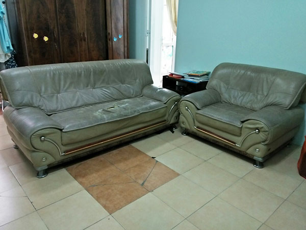 Bộ ghế sofa cũ của gia đình chị Thanh 29 Xã Đàn