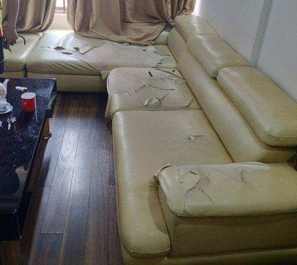 Bộ ghế sofa bị rách da của anh Cường chung cử Green Star 234 Phạm Văn Đồng