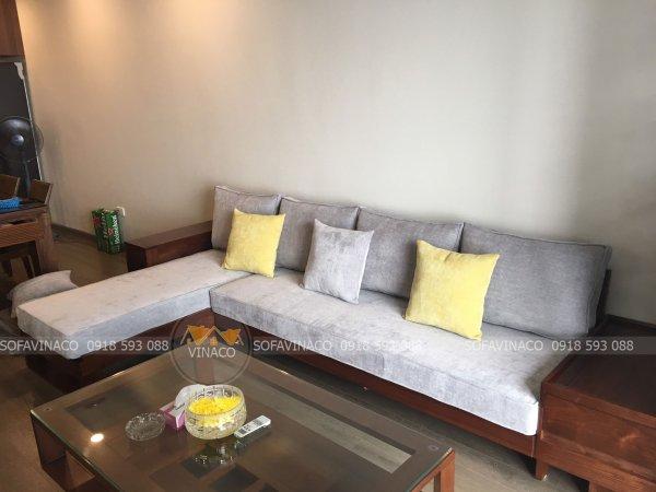 Bộ đệm ghế sofa gỗ L đã được làm xong và giao đến tận nhà cho gia đình anh Ly ở FLC Cầu Giấy