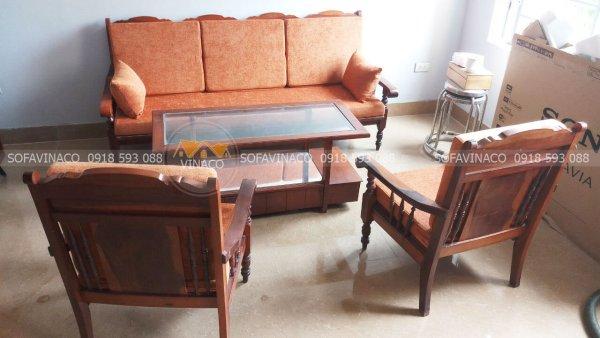 Làm đệm ghế gỗ lim xưa tại La Thành, Ba Đình với vải nỉ nhung màu cam đất tuyệt đẹp