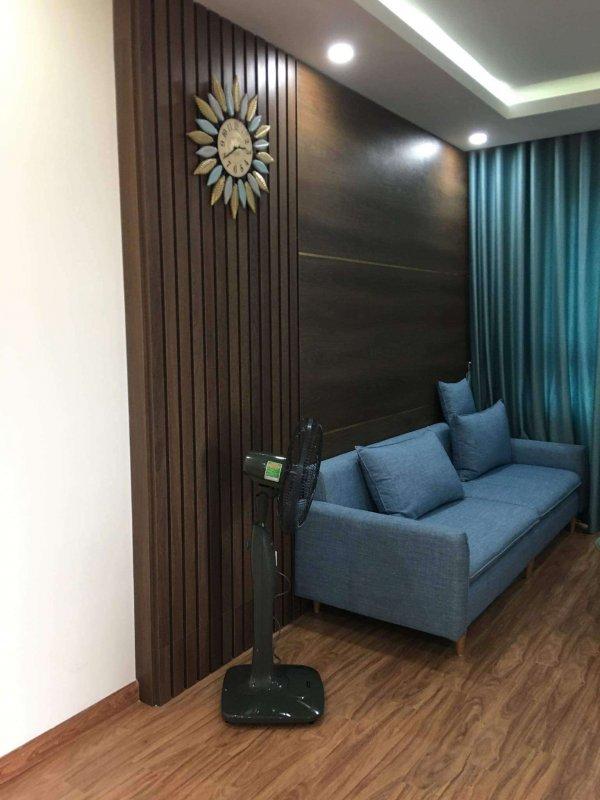 Bộ ghế sofa và phòng khách toàn màu xanh không hợp phong thủy