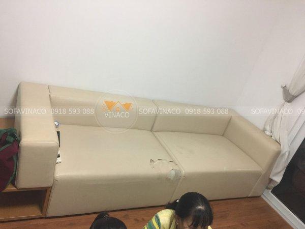 Bộ ghế sofa bị rách mặt ngồi ở Mễ Trì