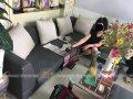 Bộ ghế sofa vải của chị Loan cần được bọc lại bằng vải mới