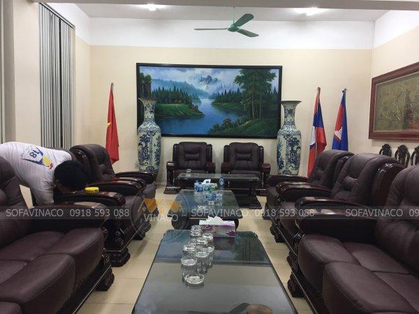 Bộ 9 ghế sofa tại phòng họp đã được bọc lại hoàn tất
