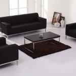 Cần chọn kiểu dáng sofa phù hợp với phòng khách