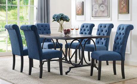Đệm ghế bàn ăn bằng vải nỉ mang đến sự ấm áp cho người ngồi