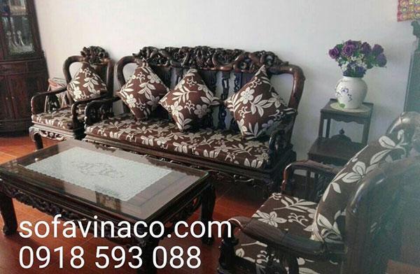 Mẫu đệm hoa văn màu nâu cho bộ bàn ghế gỗ đồng kỵ