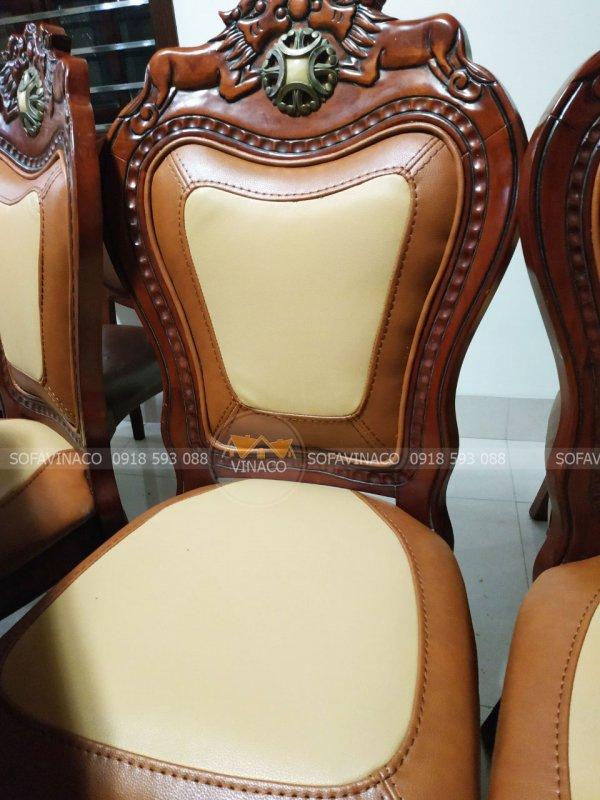 Bộ ghế đã được biến trở về như mới với dịch vụ bọc lại ghế ăn của Vinaco