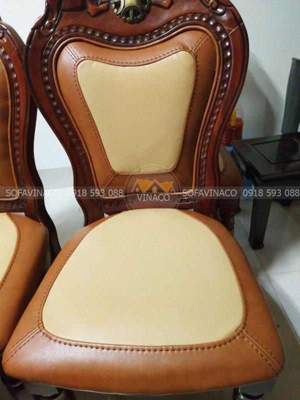 Chất da bọc ghế ăn mới được tự tay gia đình khách hàng tự chọn