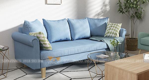 Bọc ghế sofa bằng chất liệu vải giúp căn phòng trở bên tươi sáng hơn