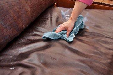 Mẹo làm sạch ghế sofa nhanh gọn đón Tết 2020