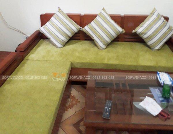 Bộ đệm ghế được làm từ chất liệu nỉ nhung màu xanh cốm siêu đẹp tại Gia Lâm