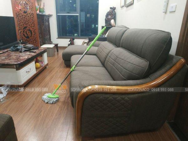 Bộ ghế sofa đã được bọc lại bằng vải