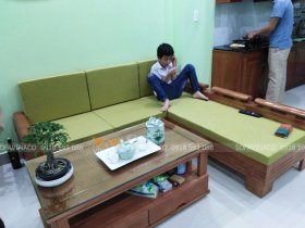 Bộ đệm ghế màu xanh trà ở Đê La Thành, Cầu Giấy