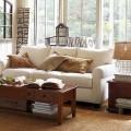 Bọc ghế sofa với màu trắng phù hợp với mọi hoàn cảnh