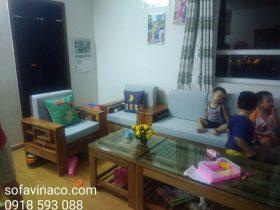 Bộ ghế sofa gỗ nhà chị Hoa khi đặt đệm