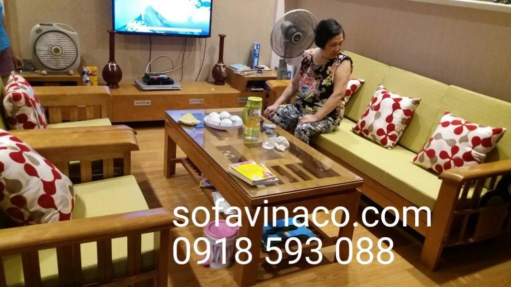 Bộ đệm ghế gỗ tại khu chung cư Hoàng Văn Thái