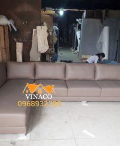 Bộ ghế sofa da màu nâu đóng cho nhà anh Dương ở Đại Mỗ
