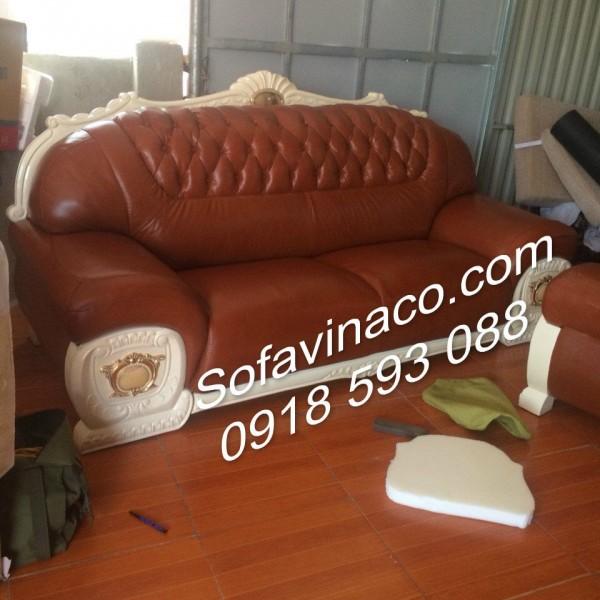 Bọc lại ghế sofa tân cổ điển đã hoàn thành chiếc ghế dài