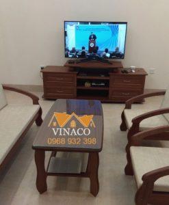 Bộ đệm ghế gỗ phòng khách đã hoàn thành và có tông màu hoàn toàn phù hợp