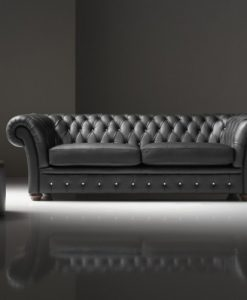 Chiếc ghế sofa được chị Trà yêu thích nhưng kích thước lại quá nhỏ