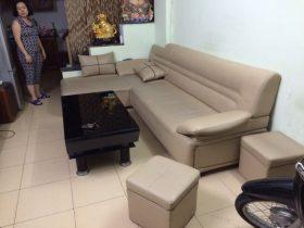 Bộ ghế sofa da tại Khâm Thiên lúc chưa thay vỏ