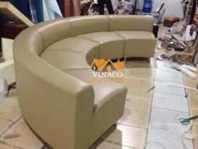 Mẫu ghế sofa hình vòng cung mới được hoàn thành