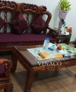 Bộ đệm ghế màu tím được làm cho bô ghế gỗ giả cổ