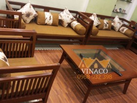 Bộ đệm ghế được kết hợp hoàn hảo giữa vải trơn và vải hoa