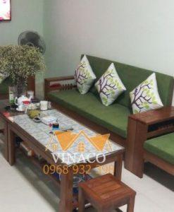 Bộ đệm ghế màu xanh lá rất hợp với mệnh mộc của gia chủ