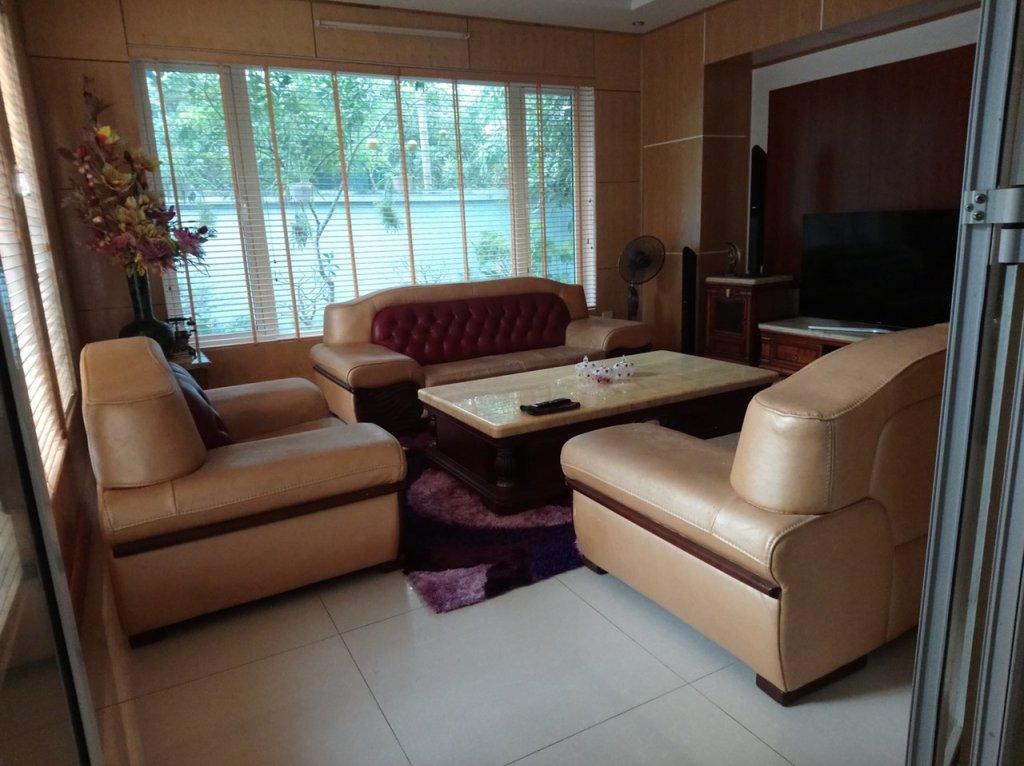 Bộ ghế sofa da của gia đình ở Vĩnh Yên, Vĩnh phúc