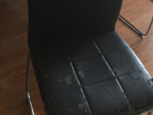 Chiếc ghế ăn da bị nổ của gia đình khách hàng Ciputra Tây Hồ